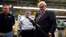 Mit Waffen kennt sich Gingrich nicht aus, doch das Recht auf Waffenbesitz unterstützt er ohne Ausnahme.