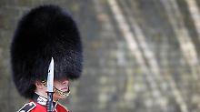 Auch die Wachen in London sind (vermutlich) schon ganz aufgeregt wegen der anstehenden Prinzenhochzeit.
