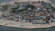 Flächendeckende Verwüstungen: Luftaufnahmen vom Tsunami 2004