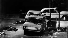 Mehr als 100 Mal schießen die Terroristen an diesem Montagnachmittag im Kölner Stadtteil Lindenthal auf die drei Polizisten und den unbewaffneten Chauffeur von Schleyer.