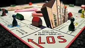 Offene Immobilienfonds werden unflexibler, zumindest für Großanleger.