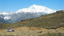 Der Nanga Parbat gilt als einer der gefährlichsten Berge im Himalaya. Er liegt im unter pakistanischer Verwaltung stehenden Teil Kaschmirs.