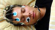 und damit zu zentral gesteuerten Weckreaktionen im Körper. Der zur Regeneration notwendige Tiefschlaf wird nicht oder zumindest nicht lange genug erreicht.