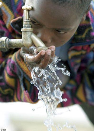 Die Aussichten sind nicht rosig: Weltweit wird das Wasser knapp. Mit dem Weltwassertag am 22. März erinnern die UN an das Problem.