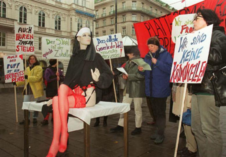 prostituierte in nrw auf was frauen im bett stehen