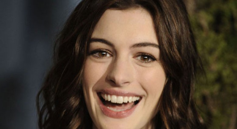 nicht sch n aber schrullig anne hathaway n. Black Bedroom Furniture Sets. Home Design Ideas