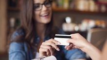 Kreditkartenstudie 2016: Kurioses rund um die Plastikkarte