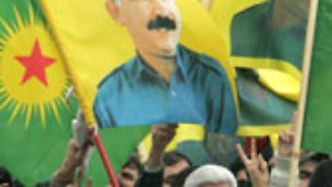 Öcalan-Transparente beim kurdischen Neujahrsfest im März in Berlin