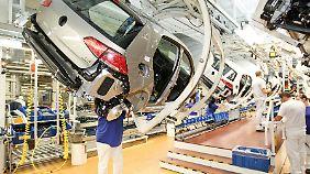 Angesichts der großen Nachfrage plant VW Sonderschichten für die Produktion des Golf VII.