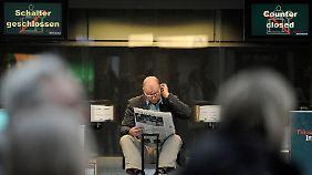 """Passagiere """"ziemlich überrascht"""": Streiks legen NRW-Flughäfen lahm"""