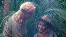 Georgina Fleur verabschiedet sich von Campmutti Olivia Jones.