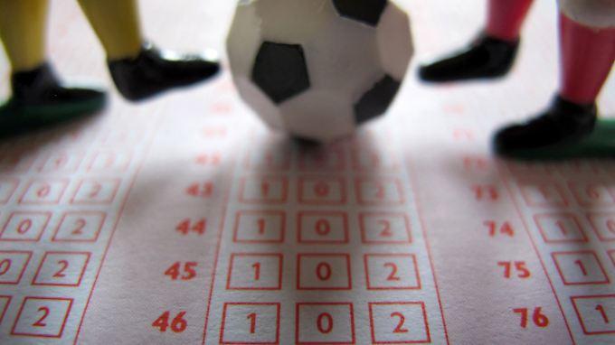 Konkreter Verdacht im Fußball-Wettskandal: Welche Spiele waren geschmiert?