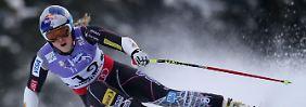 Fataler Sturz beim WM-Auftakt: Skistar Vonn fällt lange aus