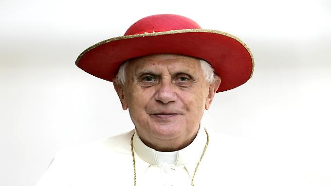 Joseph Ratzinger kam nie mit der römischen Kurie zurecht, sagt Andreas Englisch, Buchautor und Papstbiograf.