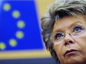 Viviane Reding, skeptisch.