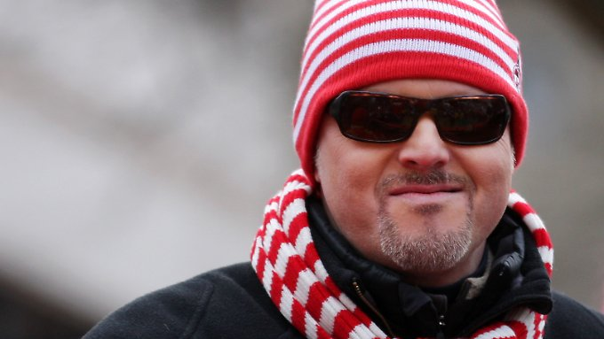 Stefan Raab beim Rosenmontagszug in Köln.