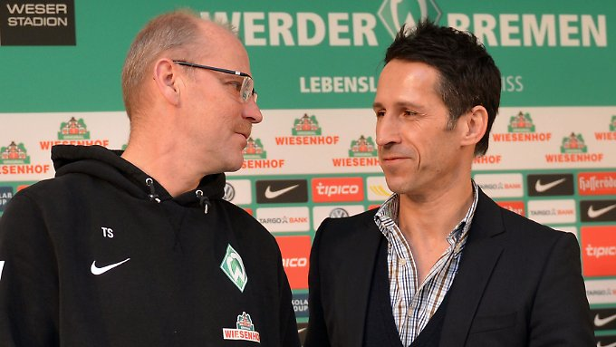 Werder-Coach Thomas Schaaf mit seinem neuen Klaus Allofs. Der heißt Thomas Eichin und managte zuletzt Eishockeyteams.