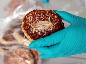In Laboren wird nach Pferdefleisch und Medikamentenrückständen gesucht.