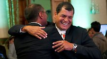 Ecuadors Präsident bleibt im Amt: Sozialist Correa gewinnt Wahl
