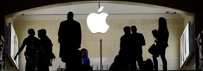 Selbst der Apfel ist nicht mehr sicher: Ist es der Geltungsdrang hochbegabter Außenseiter oder ein staatlich gelenkter Angriff?