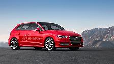 Auf Öko-Autos müssen Genf-Besucher ebenfalls nicht verzichten. Audi macht den A3 zum Plug-in-Hybrid. Der Doppel-Antrieb mit Steckdosenanschluss besteht aus einem 2,0-Liter-Turbobenziner mit 210 PS sowie einem 27 PS starken Elektromotor, ...