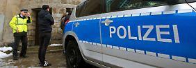 Die Polizei ermittelt derzeit noch, welches Motiv hinter der Tat steckte.