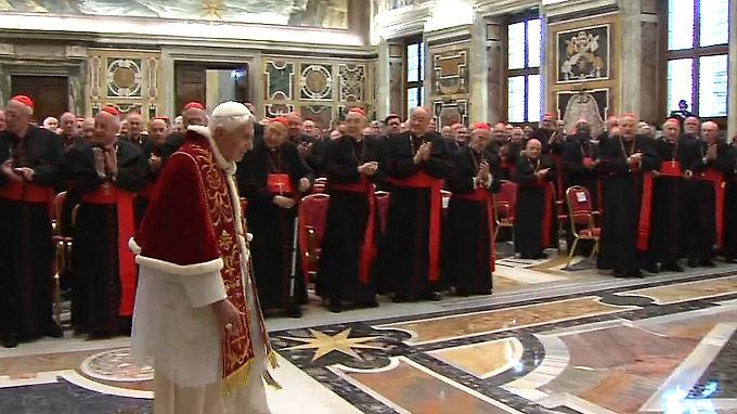 Im Sala Clementina kamen die Kardinäle zusammen, die bereits nach Rom gereist sind.