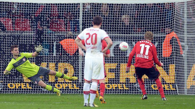 Per Elfmeter setzte Stefan Kießling setzte famose Torserie gegen Stuttgart fort und leitete die späte Wende ein.