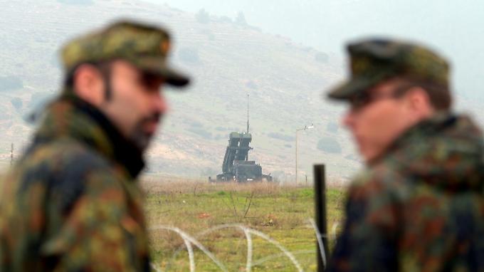 Die Bundeswehr ist im Rahmen eines Nato-Einsatze zum Schutz der Türkei angefordert worden.