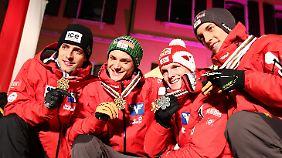 Dank Fettner nahm Österreich schließlich das fünfte Team-Gold in Folge mit.
