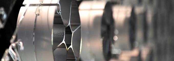 Die Herstellung von Aluminium frisst viel Strom. Die Firmen argumentieren, dass hohe Kosten für Jobs gefährden würden.
