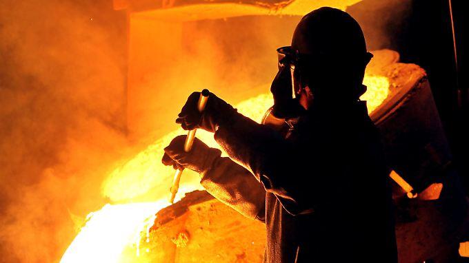 Unternehmen, die viel Strom verbrauchen, dürfen künftig nicht mehr von der EEG-Umlage befreit werden. Das gilt etwa auch für die Stahlindustrie.