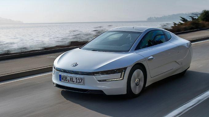 Mit dem XL1 präsentiert VW nach elf Jahren Entwicklung ein Hybrid-Auto mit einem Verbrauch von lediglich 0,9 Liter auf 100 Kilometer.