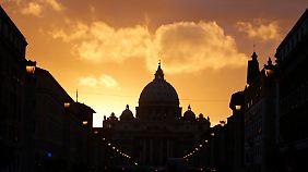 Kardinäle versammeln sich: Wahl des neuen Papstes beginnt