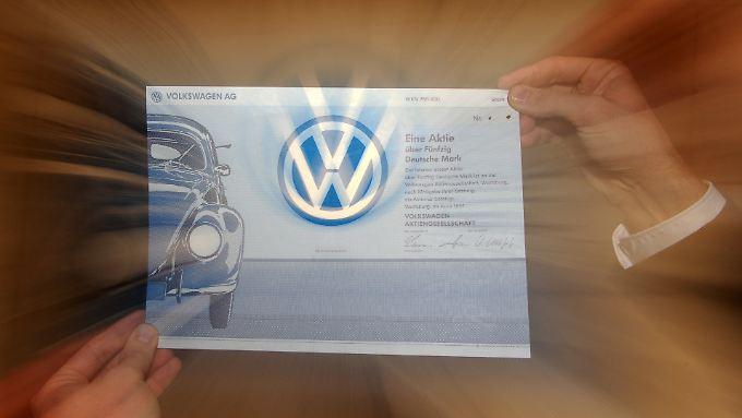 Ein historisches Wertpapier der Volkswagen AG. Die sogenannten Nullstücke (ohne Stempel und Kontrollunterschrift) mussten Unternehmen früher einreichen, bevor die Papiere zum Handel zugelassen wurden.