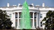 ... noch Politik kommen an dem Fest vorbei. Der Springbrunnen vor dem Weißen Haus speit zu Ehren des Heiligen Patrick grünes Wasser ...
