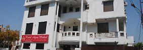 Indien-Touristin fürchtet Vergewaltigung: Britin stürzt sich vom Balkon