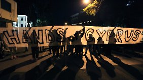 In Nikosia gingen erneut Zyprer auf die Straße und demonstrierten gegen die EU.