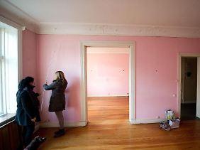 Beim Kauf einer Eigentumswohnung zählt nicht nur der Preis: Auch die Folgekosten sollten Immobilienkäufer im Blick haben.