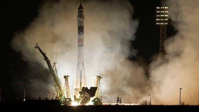 Die russische Sojus-Kapsel startete pünktlich um 21.43 Uhr MEZ.