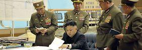 Kim erteilte ein der Nacht um 0.30 Uhr den Befehl, die Raketen in Gefechtsbereitschaft zu versetzen. Der Ort der Entscheidung blieb geheim.