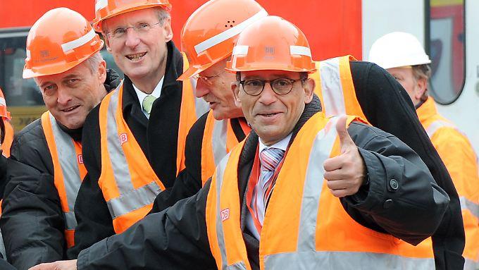 Daumen hoch: Nach Stuttgart 21 soll Hany Azer nun auch den Berliner Pannenflughafen planen