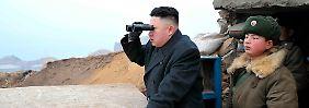 Korea-Experte Eschborn beschreibt Nordkoreas Machthaber Kim Jong Un (l.) als fremdgesteuerten Repräsentanten.