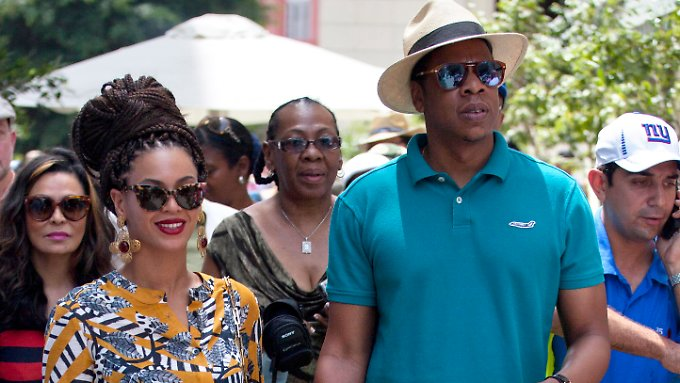 Beyonce und Jay-Z bei ihrem Rundgang durch Havanna, der viel Wirbel verursachte.