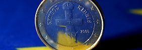 Die Euro-Finanzminister haben das milliardenschwere Rettungspaket für Zypern abgesegnet.