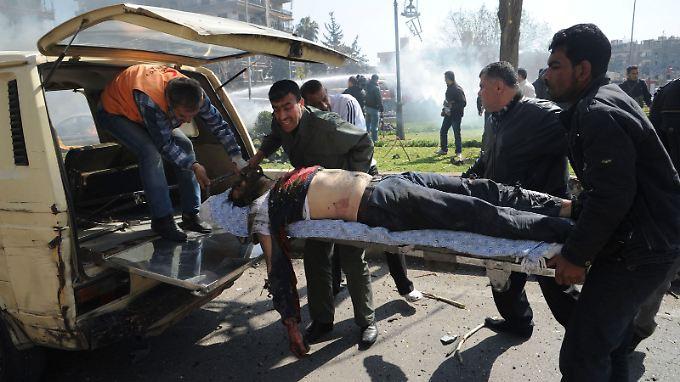 Zehntausende Syrer wurden Opfer des Bürgerkriegs - 36 Verwundete werden nun in Deutschland behandelt.
