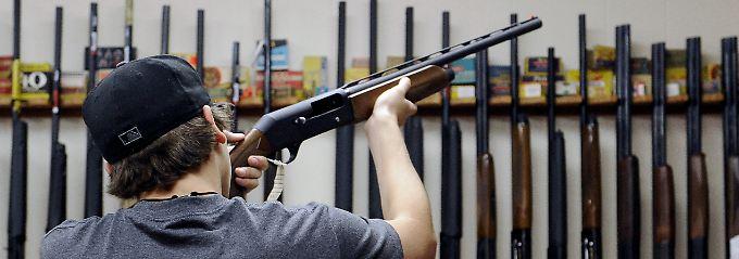 Die nötige Ausstattung für eine Revolution ist vorhanden: Waffenladen in Texas.