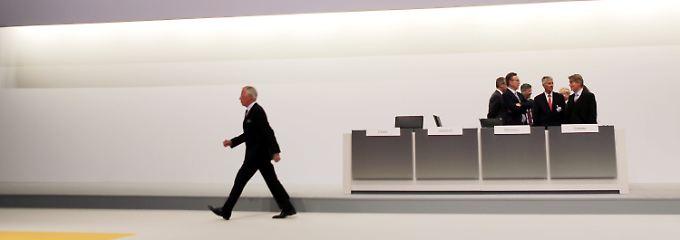 Auf dem Weg zum Rednerpult: Der scheidende Lufthansa-Aufsichtsratsvorsitzende Jürgen Weber.