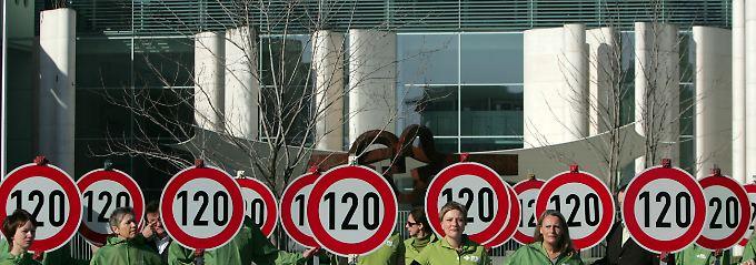 Auch der Verkehrsclub Deutschland fordert seit Jahren ein verbindliches Tempolimit von 120 km/h auf den deutschen Autobahnen.