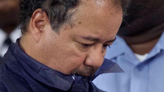 Ariel Castro wird offiziell wegen Entführung und Vergewaltigung angeklagt.
